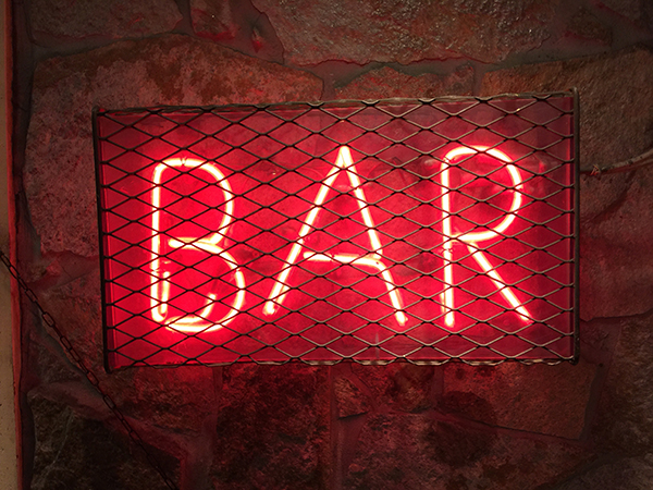 Light sign showing 'Bar'